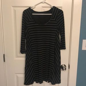 Dresses & Skirts - Black and white casual dress